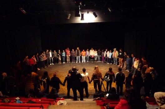 Vichama: o teatro como afirmação da identidade coletiva