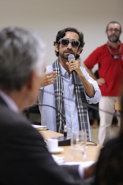 Zehma se dirige ao ministro Juca Ferreira em reunião da Comissão Nacional dos Pontos de Cultura, em 29 de julho de 2015