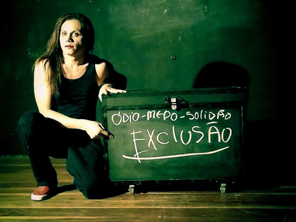 Durante-seis-meses-Silvero-Pereira-realizou-um-trabalho-de-interação-com-travestis-e-transformistas-da-região-Sul.-Foto-Luciane-Pires-Ferreira-Divulgação-960x720