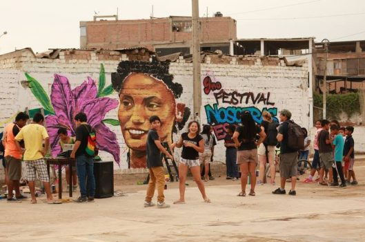 """Arena y Esteras y """"el derecho a la sonrisa"""": 25 años haciendo del arte un camino"""